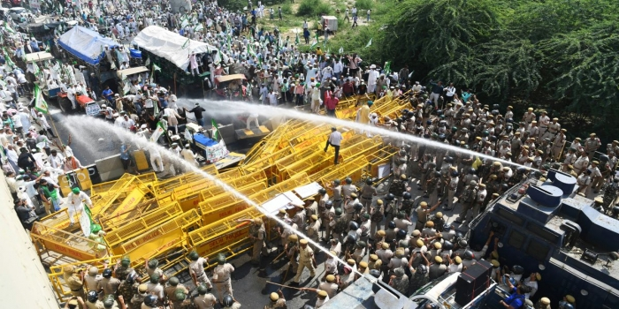 Delhi Chalo Protest: Haryana Police Uses Water Cannons, Tear Gas to Disperse Protesting Farmers
